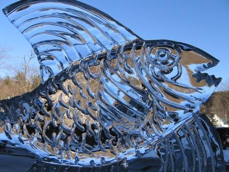 http://www.rainydaymagazine.com/CarolynsWorld/images/Wentworth_Inn/Ice_Fish.JPG