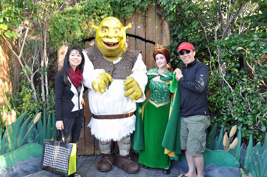 Costumed-characters ...  sc 1 st  Rainy Day Magazine & Rainy Day Destinations : Universal Studio Tour by Wan Chi Lau ...
