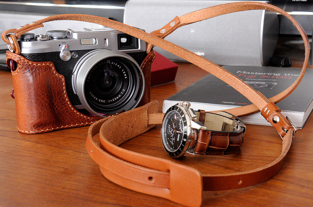 Fuji X100S in JnK case and Leathinity strap